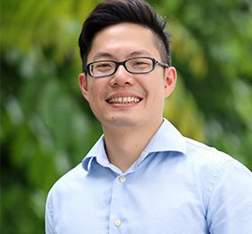A photo of Dr Sam Wee Hong Tan